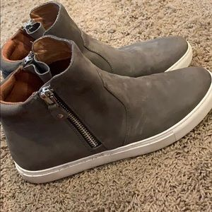 Gentle soles by Kenneth Cole  high top sneakers